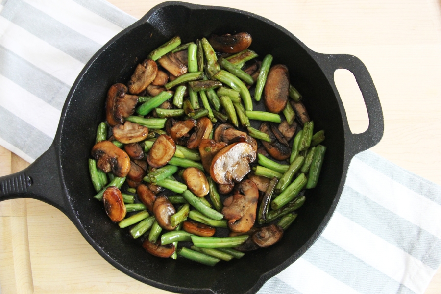 mushrroms-and-green-beans-one-pan-meal